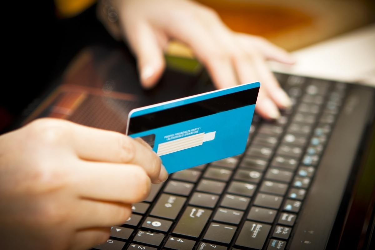 Большие преимущества оплаты через портал – это возможность получения скидки и выполнение перевода денежных средств без комиссии.